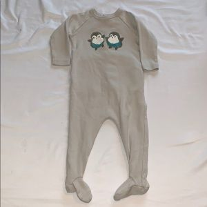 EUC Bonpoint Baby Penguin Footed Onesie Rear Flap